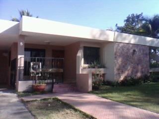 Muy Bonita Casa De Dos Niveles Colonia Los Doctores